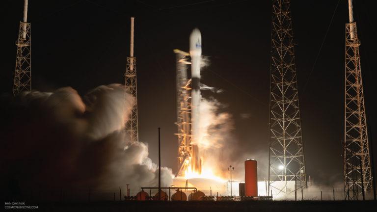 SpaceX Falcon 9 liftoff blur